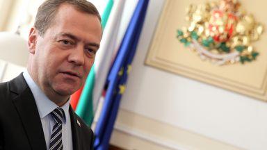 Медведев: Подозренията за руска намеса в евроизборите са абсурдна параноя
