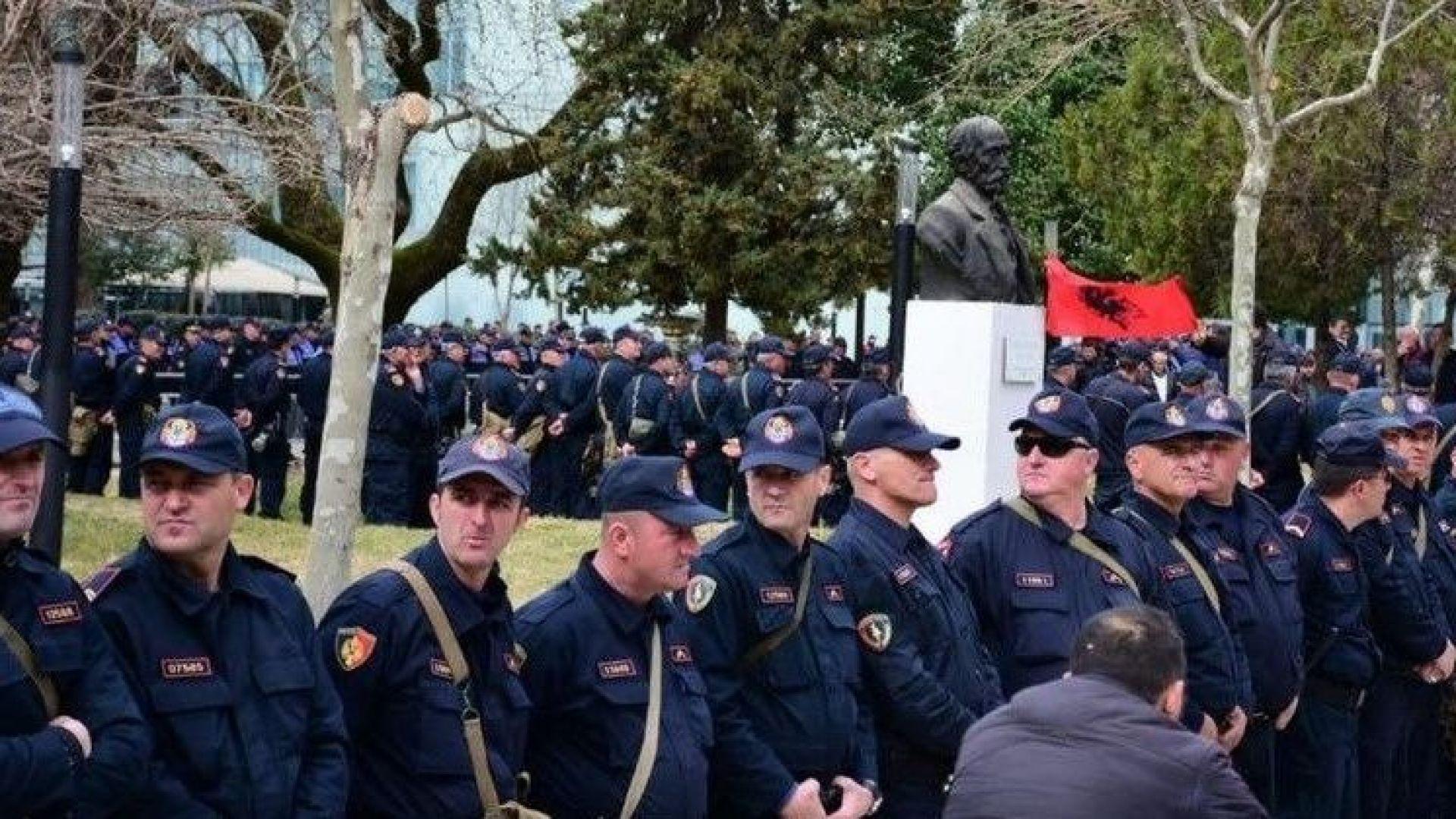 Протести в Албания с искане за оставка на правителството