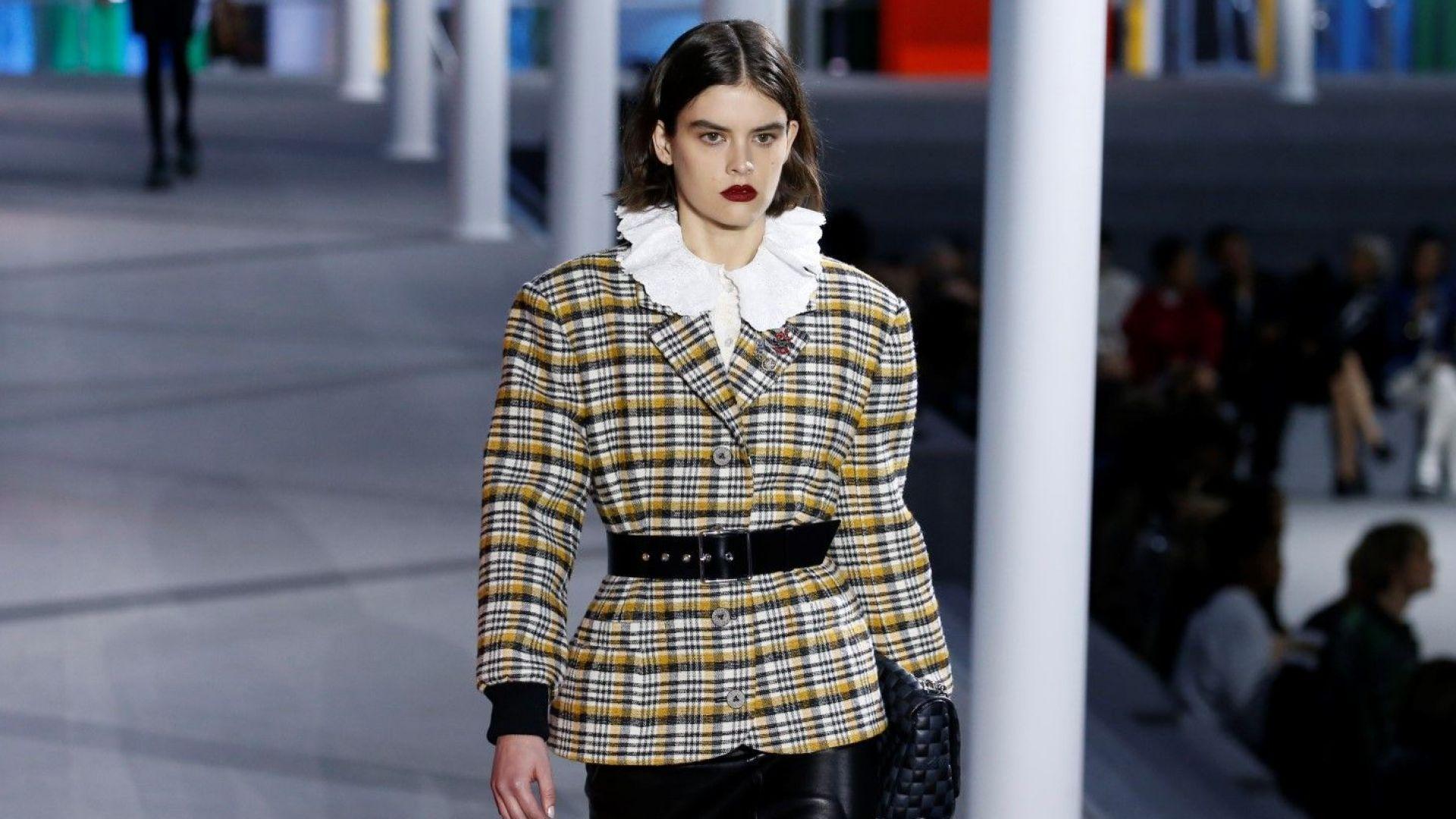 Ярки цветове, карета и пайети от Louis Vuitton в Париж