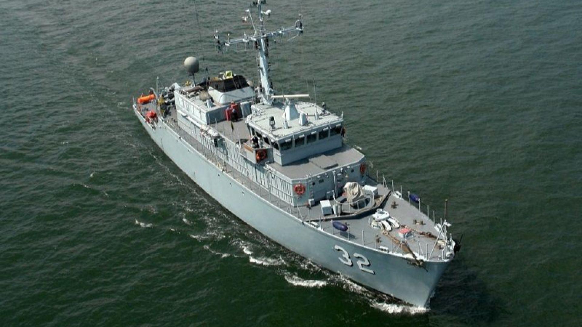 Военни медици спасиха член от екипажа на търговски кораб край Варна