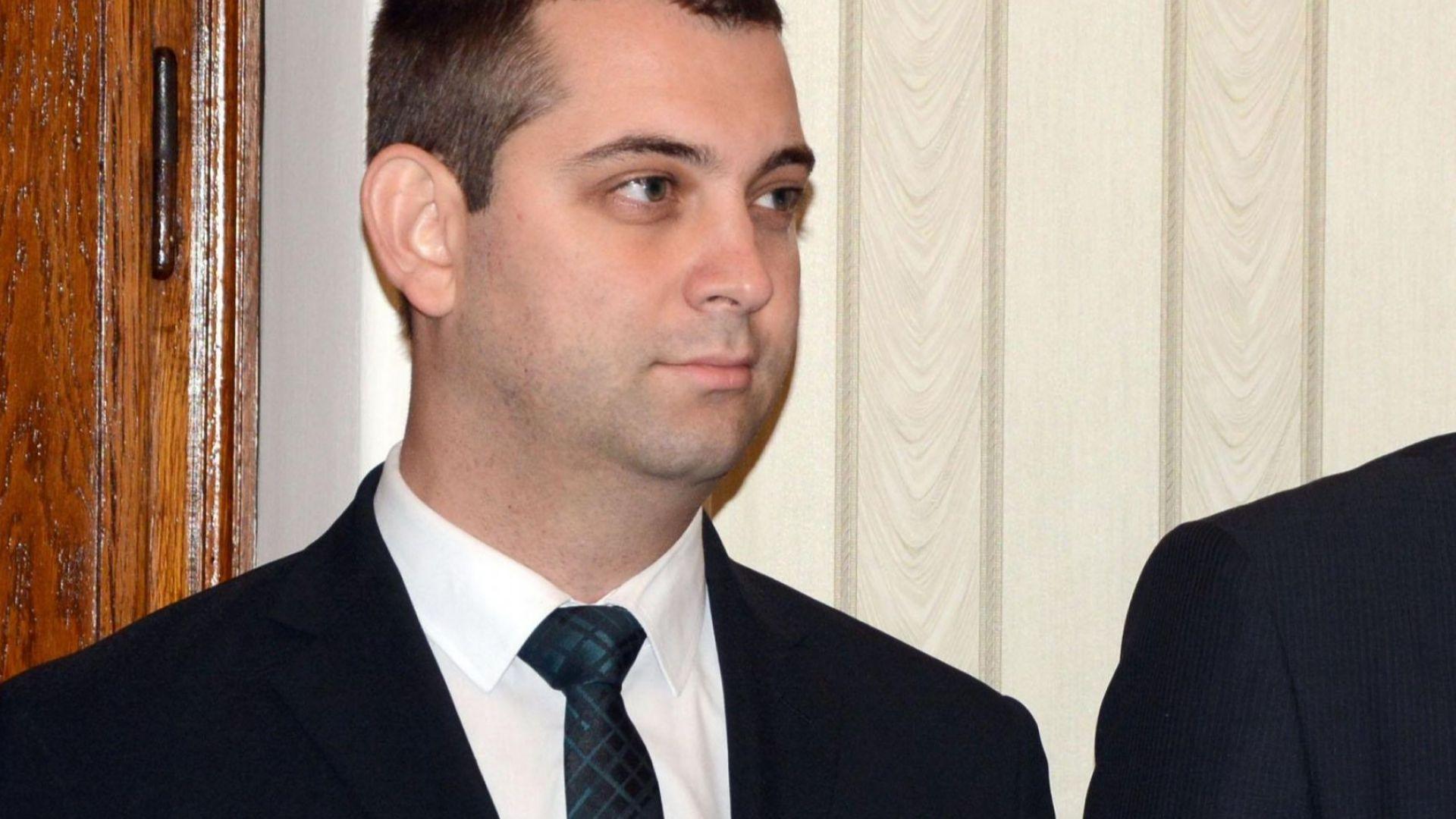 Димитър Делчев пред Dir.bg: Очевидно е, че за Медведев и Русия сме една смешка