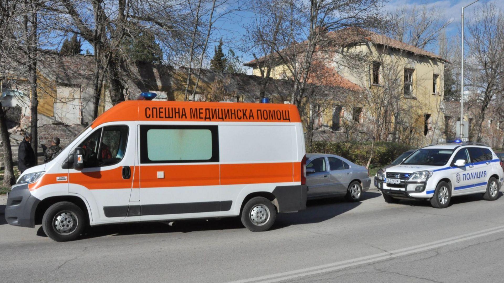 Откриха труп на криминално проявен в бившите казарми в Хасково (снимки)