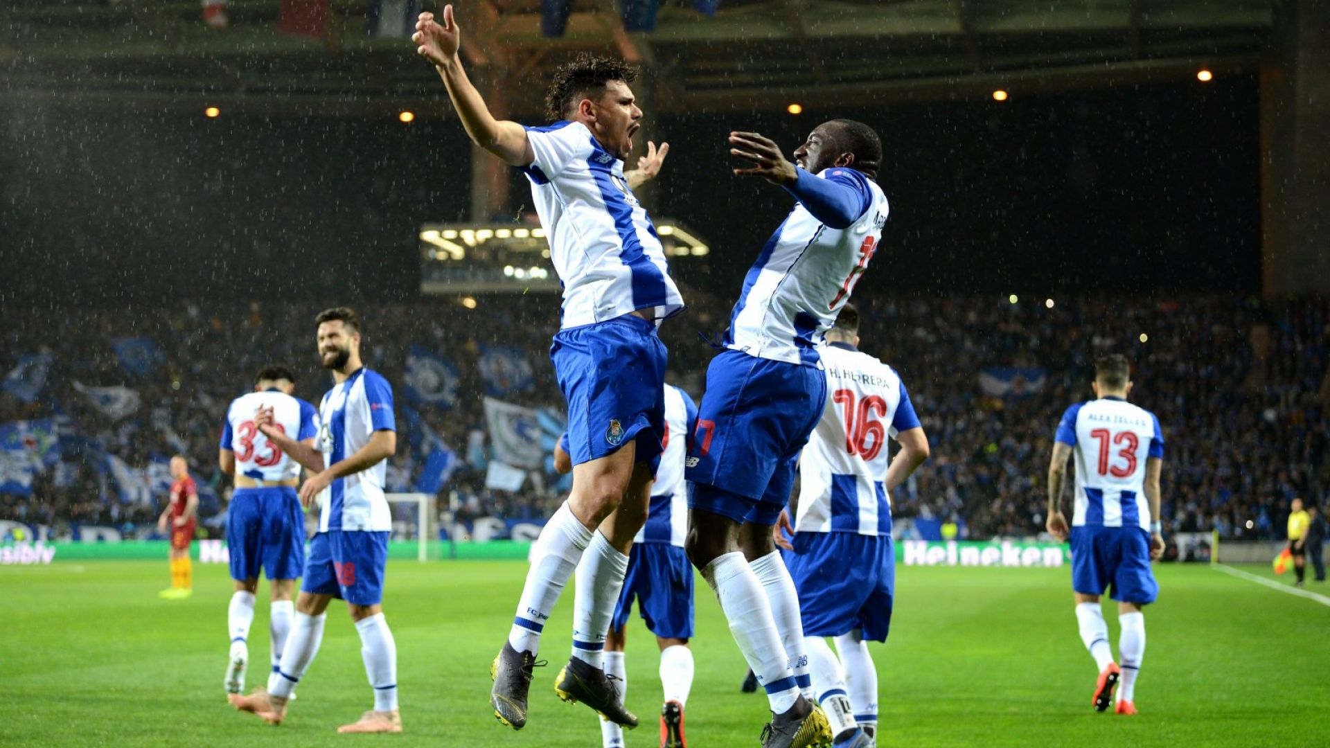Тежката присъда на ВАР прати Порто на четвъртфинал