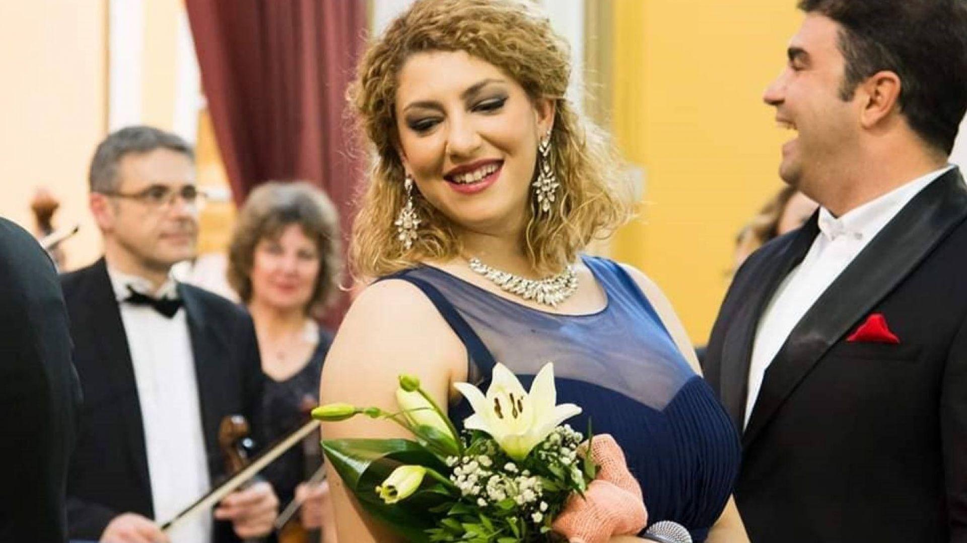 Нора Караиванова роди момченце