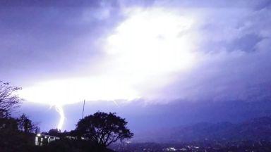 Гръмотевични бури и опасно време до средата на седмицата