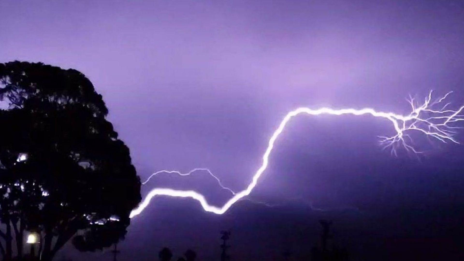 Горещ уикенд, мощни бури и градушки другата седмица