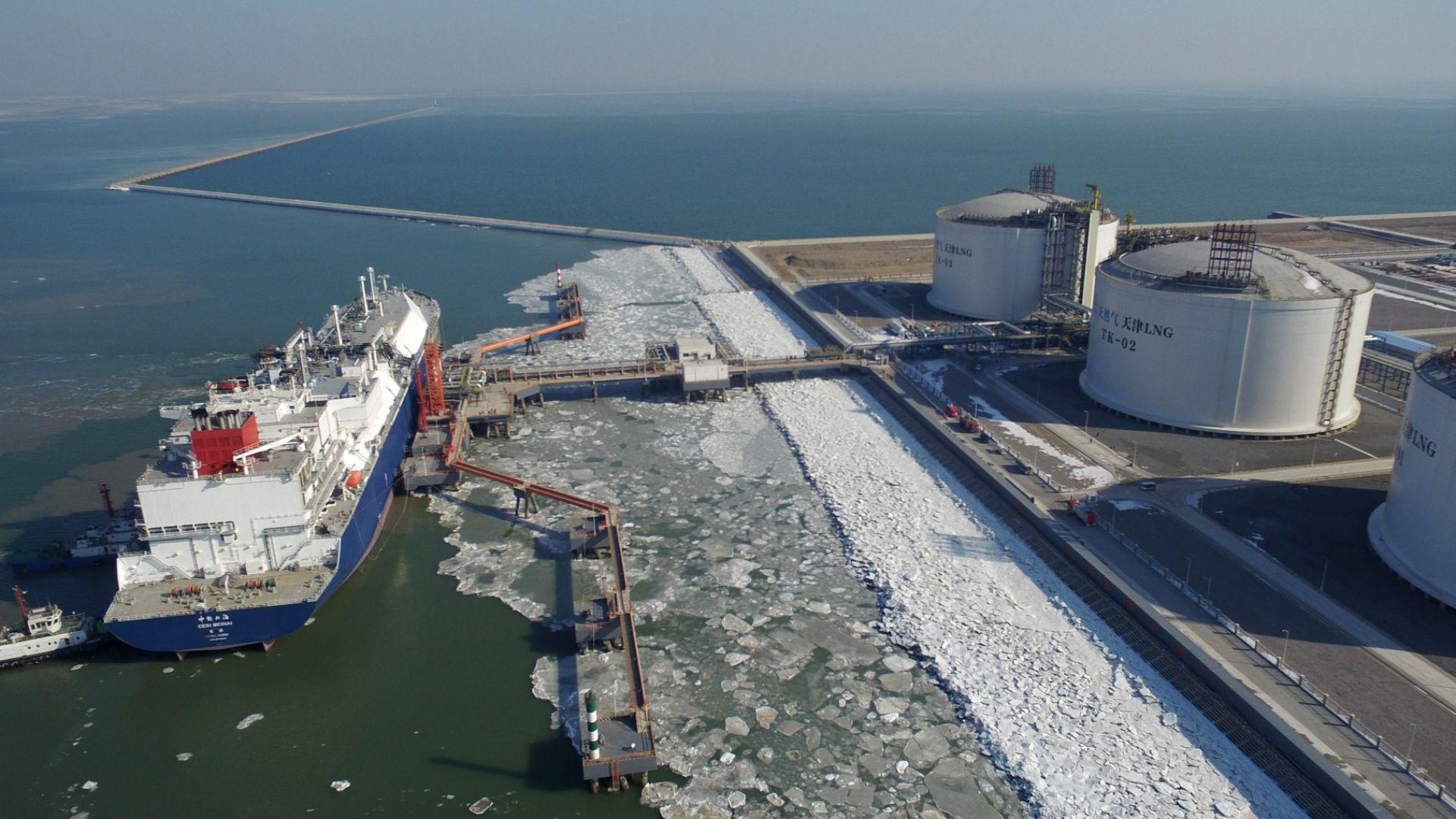 Цената на природния газ в Европа слезе под 200 долара за 1000 м3