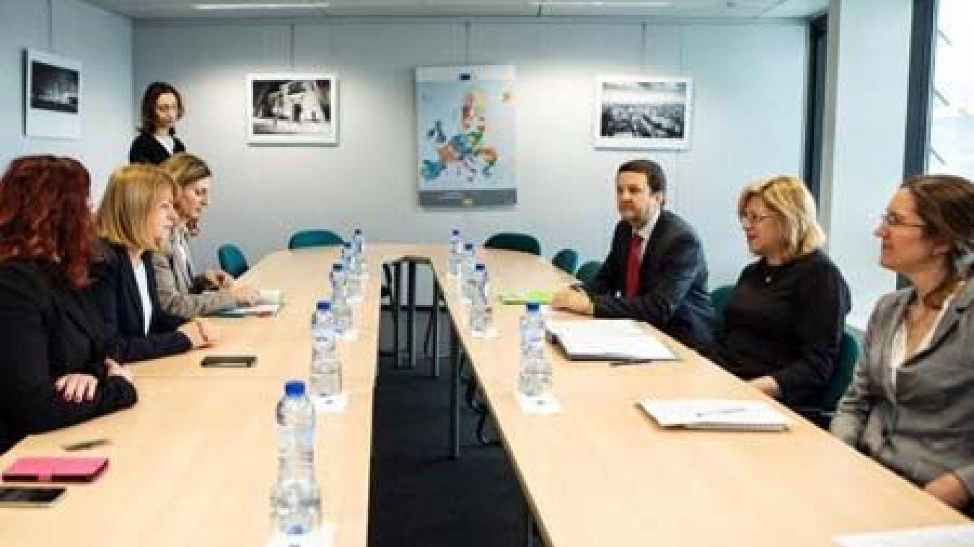 Еврокомисарят по регионалната политика даде за пример София на среща с Йорданка Фандъкова