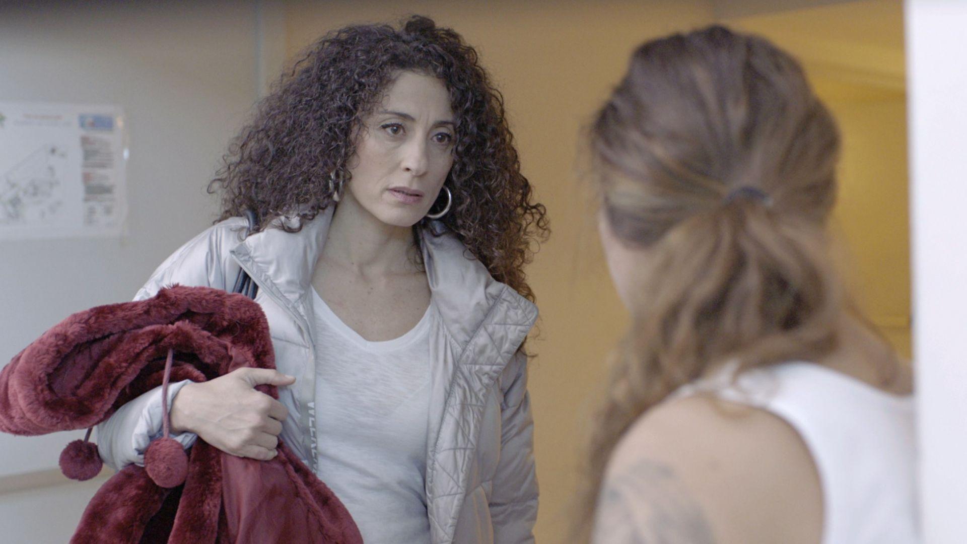 """Саня Армутлиева: Плаках след сцената ми с шамара в """"Лошо момиче"""""""