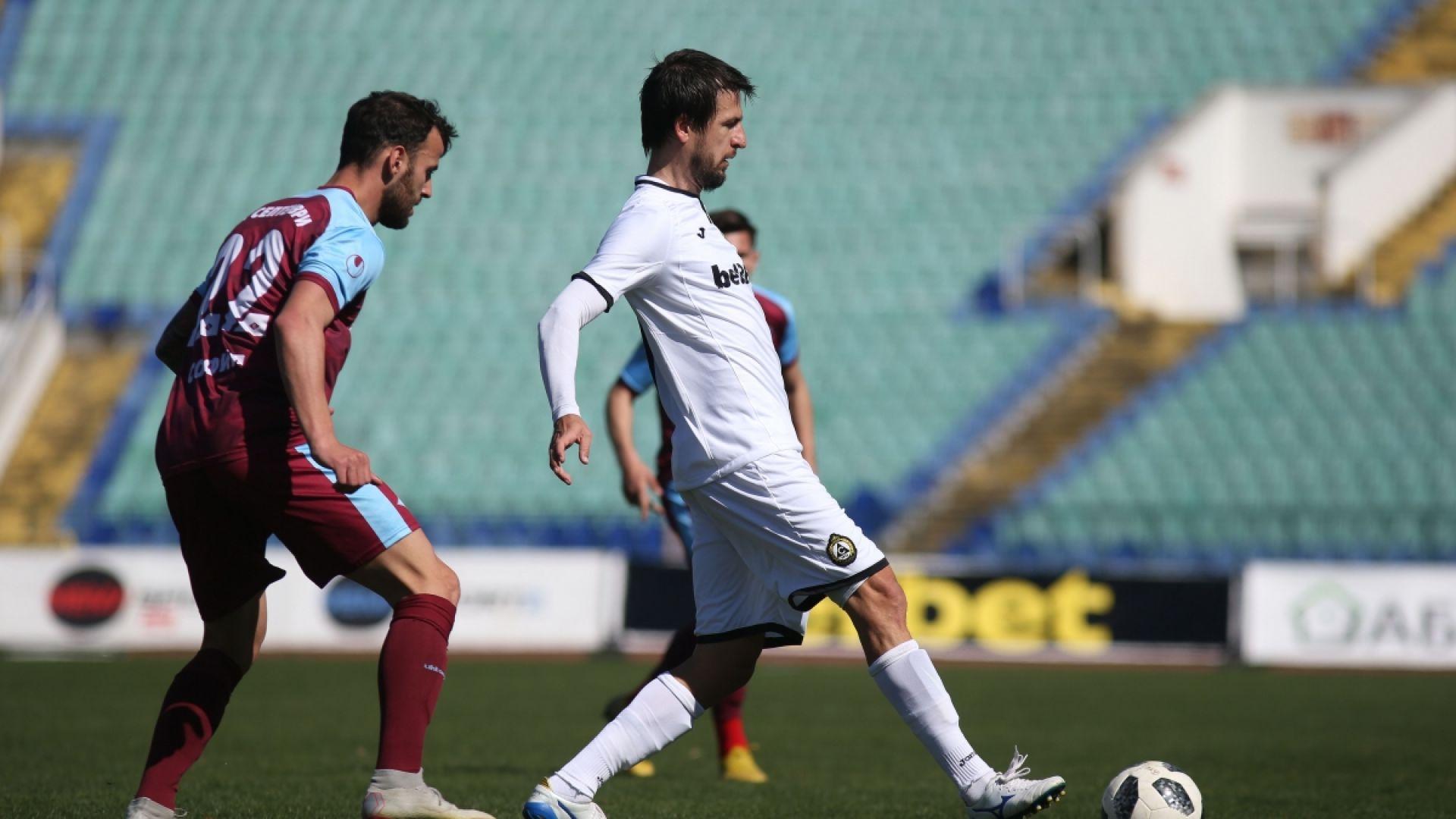 Дебютен гол на Тасевски донесе трудна победа за Славия
