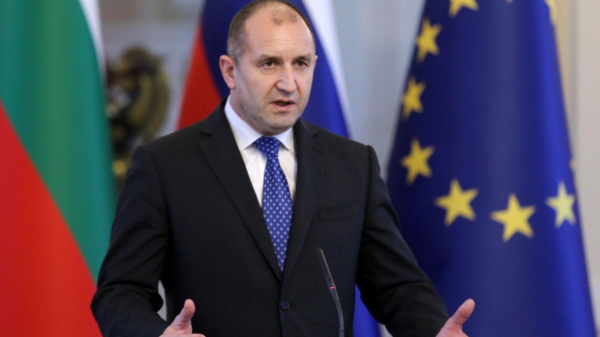 Президентът Румен Радев издаде указ за назначаване на 15 членове