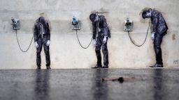 Малко черен хумор по улиците на Париж