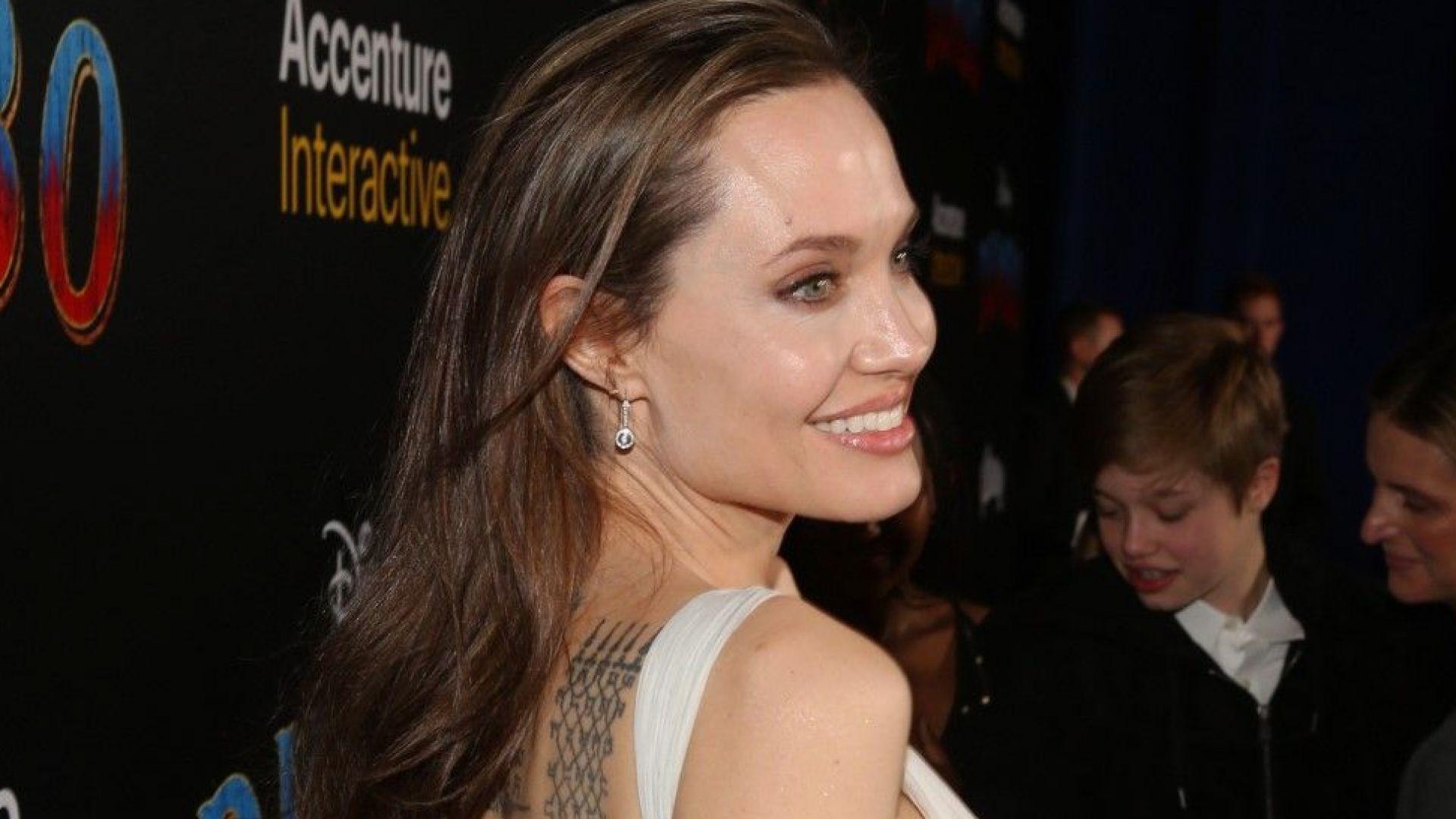 Анджелина Джоли на 44 - между майчинството и киното