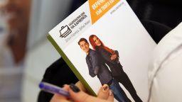 Младите висшисти до 24 г. са най-малко застрашени от безработица