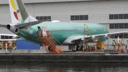 Редица страни затвориха въздушното си пространство за Боинг 737 МАКС 8