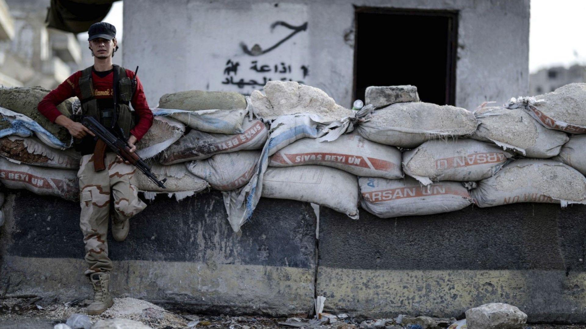 Около 2000 души, предимно бойци на ИДИЛ, са се предали на кюрдите в Сирия