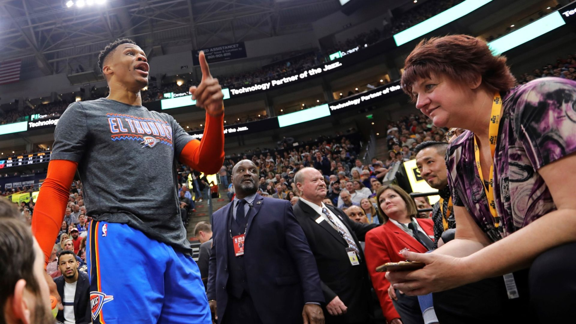 Звезда на НБА към расист: Ще размажа теб и жена ти