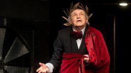 """Стефан Мавродиев чества 75 години с премиерата на """"Аз, Фойербах"""""""