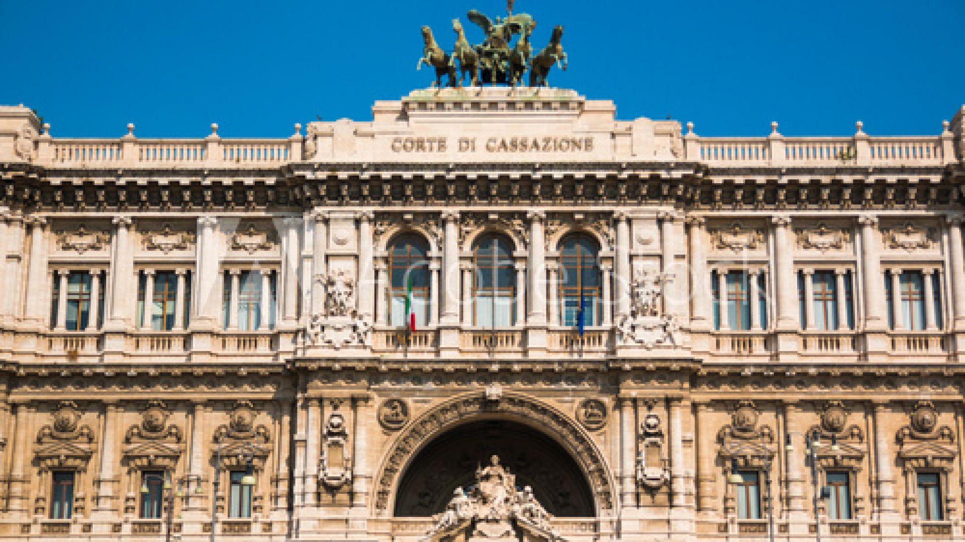 Италианската общественост беше силно възмутена от съдебно решение, оневиняващо насилници,