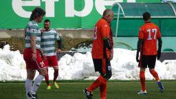 Премиерът Борисов вкара гол от пряк свободен удар (видео)