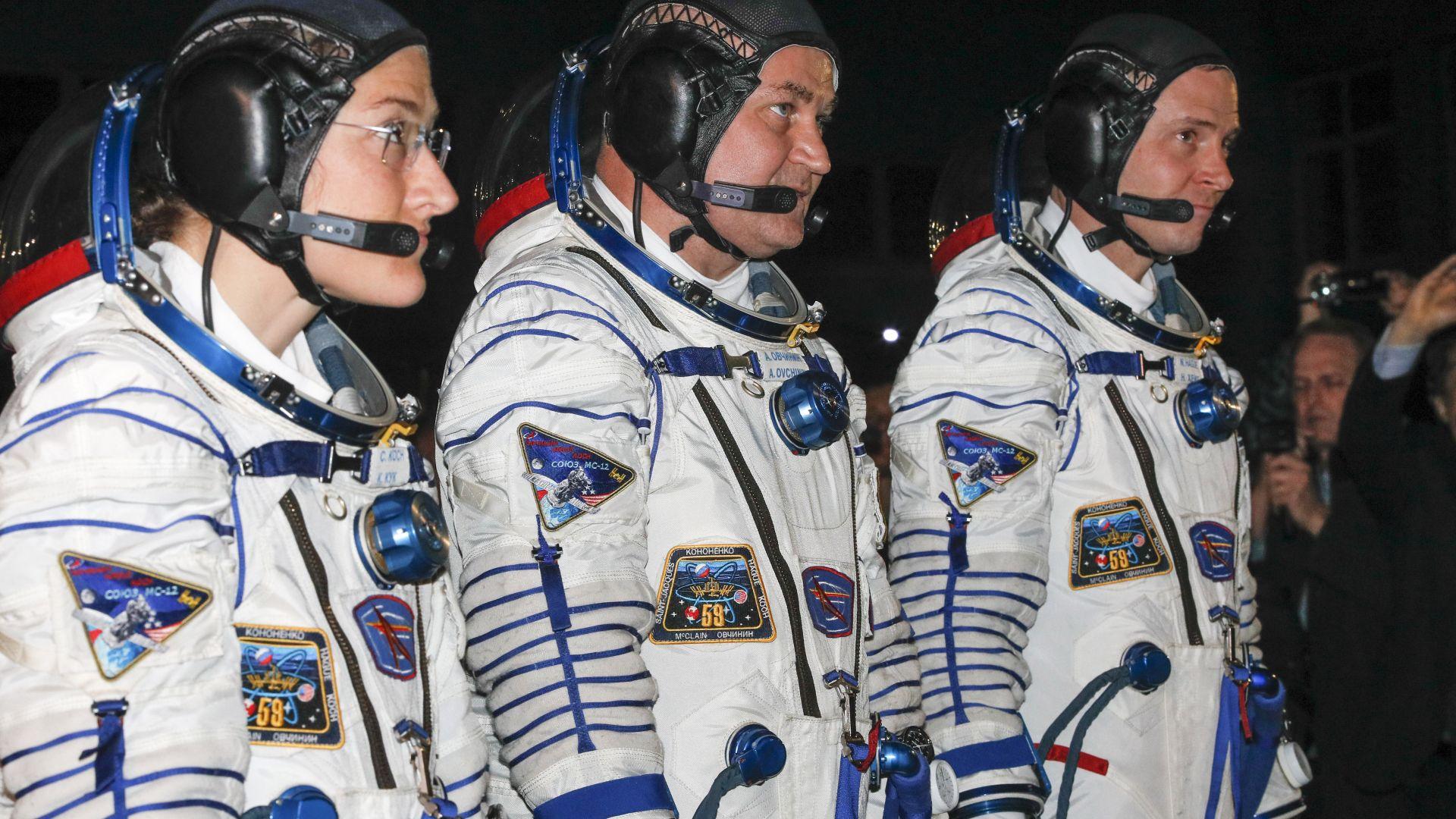 Строг контрол за връщащи се на Земята космонавти