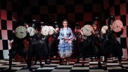 """Пред препълнена зала премина премиерата на """"Алиса в Огледалния Свят"""""""