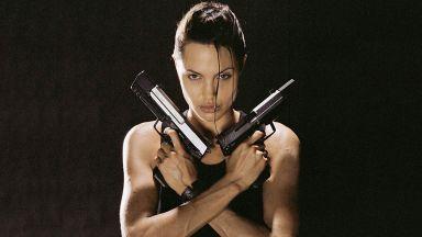 Анджелина Джоли работи под прикритие за ЦРУ?
