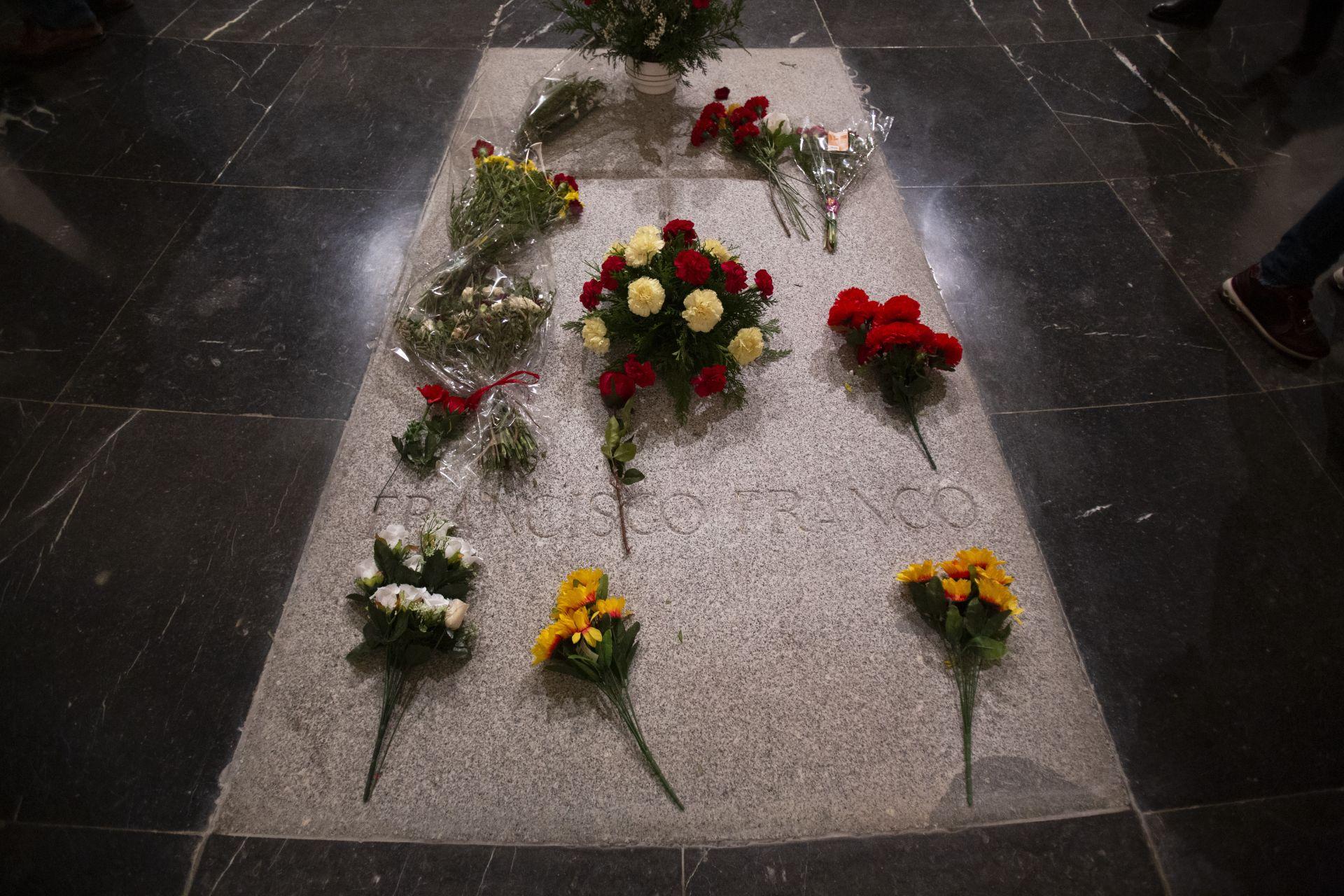Гробницата на диктатора Франсиско Франко в мавзолея