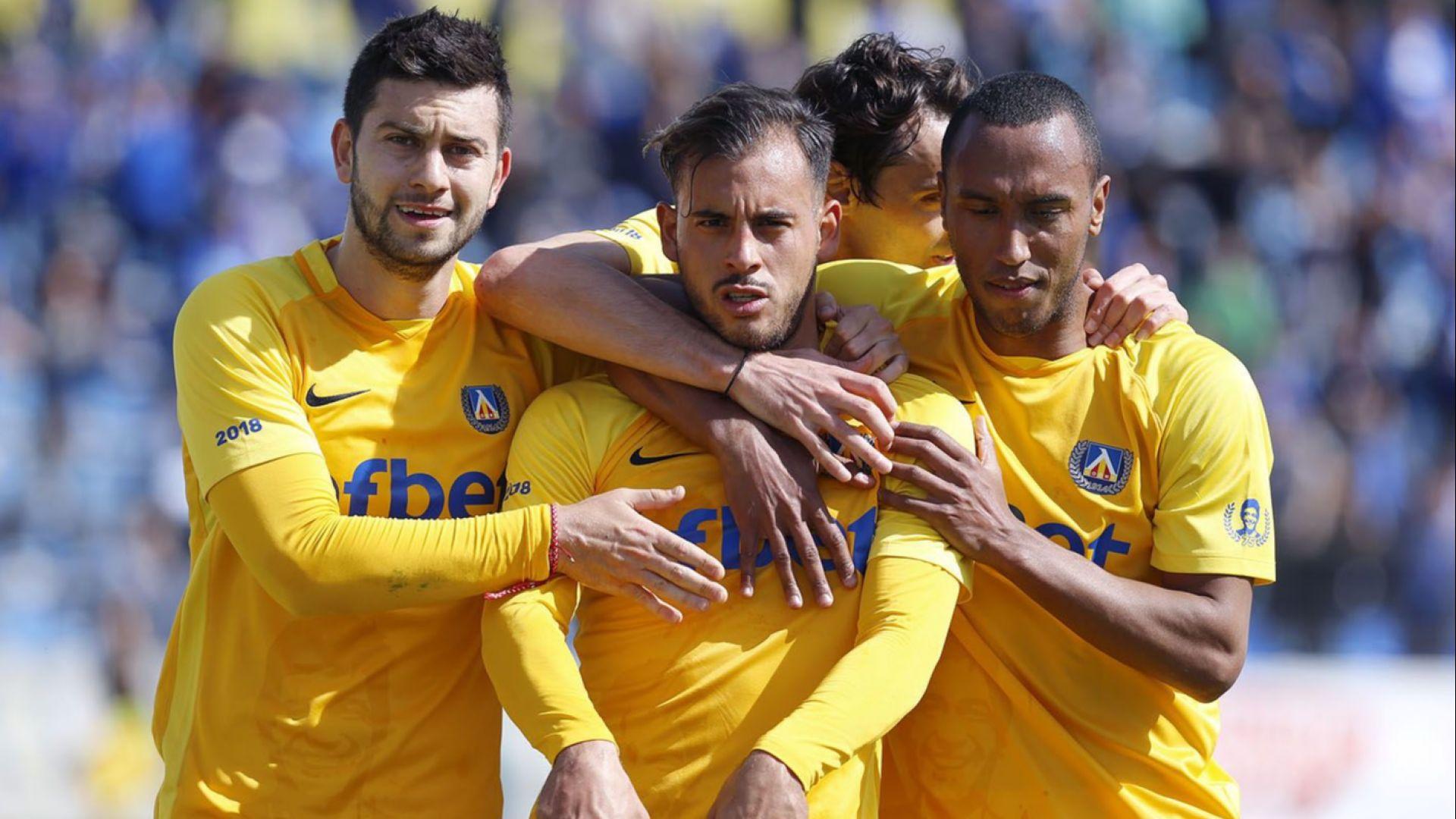 Левски допусна 3 гола срещу Верея, но би в странен мач