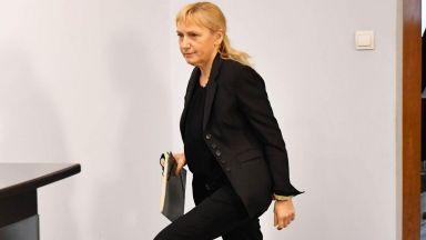 Елена Йончева е водачът в листата на БСП