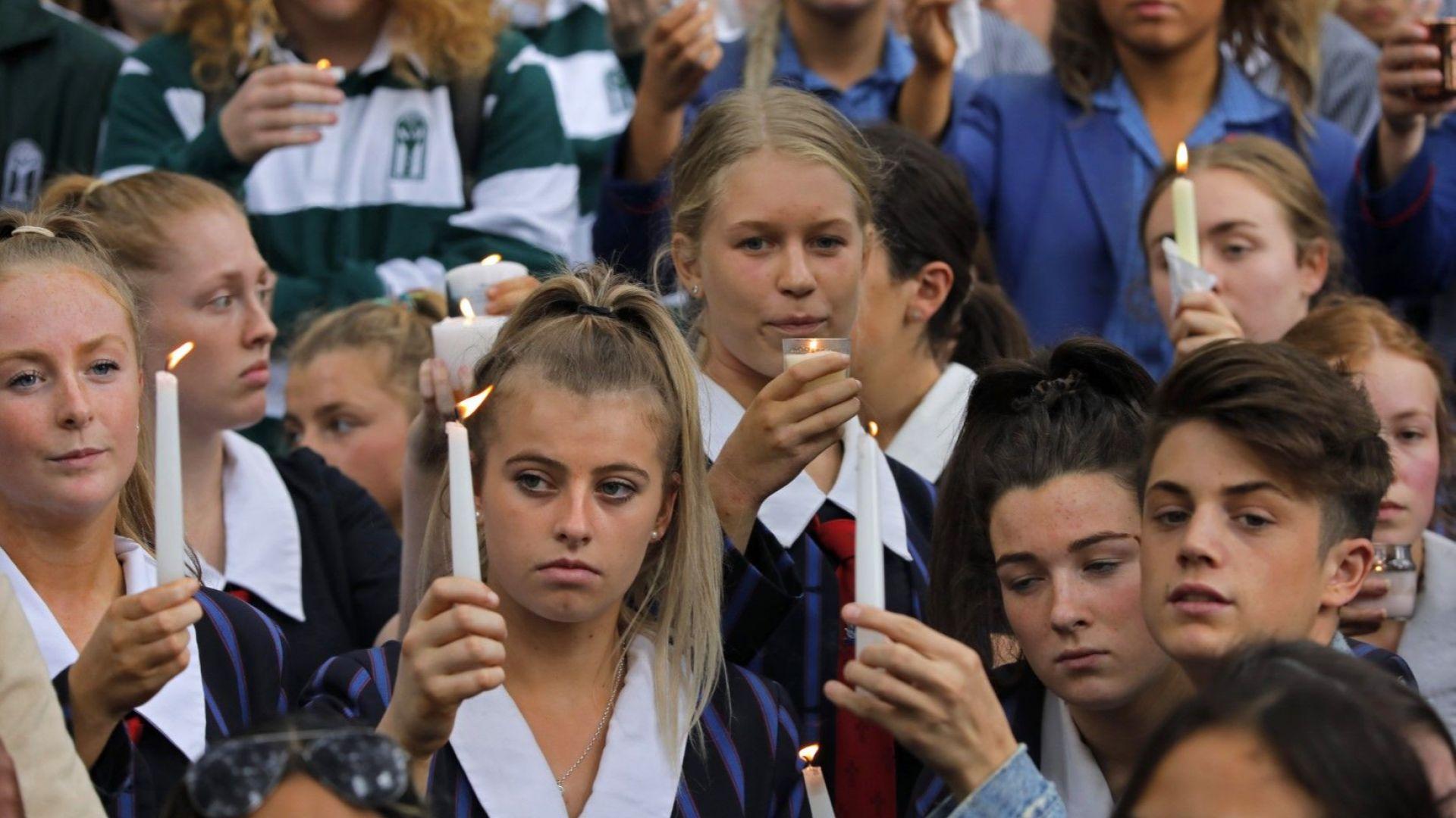 Новозеландският премиер Джасинда Ардърн обеща днес да не позволи Брентън