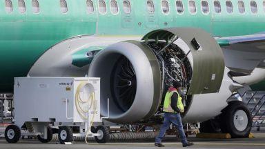 Боинг губи 4.9 млрд. долара заради спрените поръчки на 737 МАКС