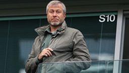 Роман Абрамович разпродава активи - заради санкциите или заради Кремъл?