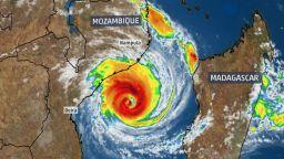 Стотици жертви на циклона Идаи в Африка (видео, снимки)