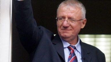 Воислав Шешел: Ще подкрепя Вучич за военен съюз с Русия