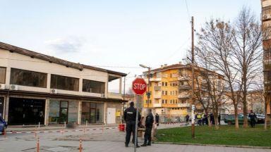Ботевград под полицейска блокада - мъж уби жена си на улицата (обновена)