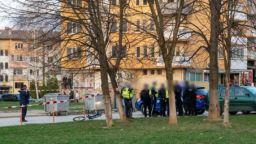 Ботевград под полицейска блокада - мъж уби жена си на улицата (обновена/снимки)
