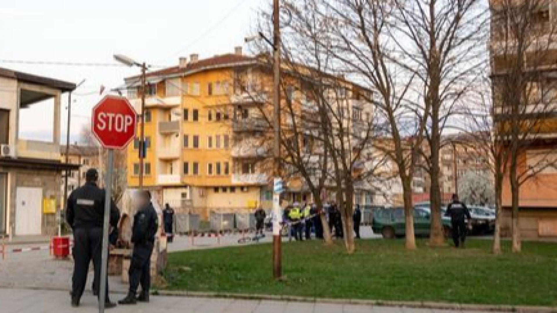 Третият удар с нож се оказал смъртоносен за Камелия в Ботевград