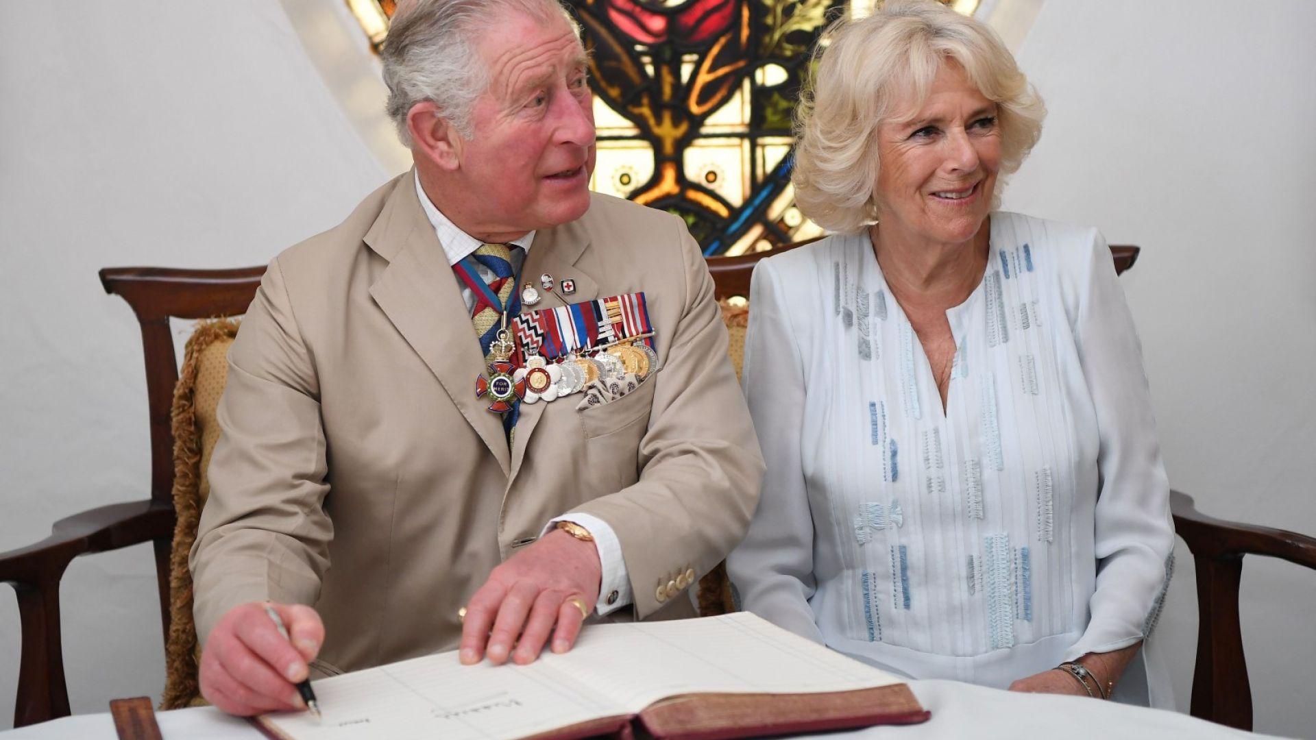 Принц Чарлз и съпругата му Камила с първа визита в Куба