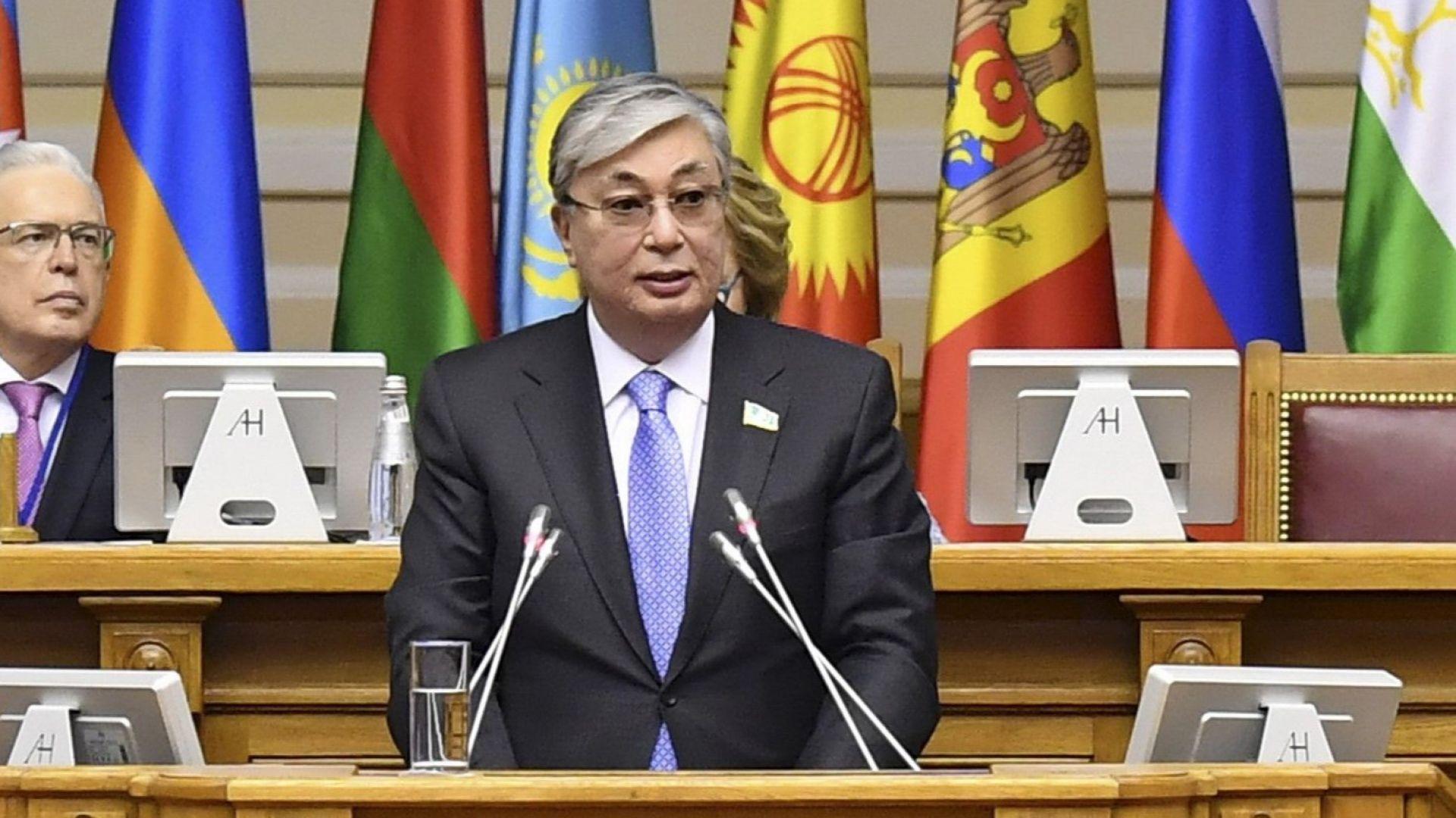 След оставката на Назърбаев: Доларите изчезнаха от валутните бюра