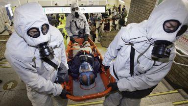 Токио не забравя гуруто Асахара и атаката със зарин в метрото (снимки, видео)