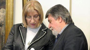 Цецка Цачева и Вежди Рашидов също купили изгодно жилища, двамата коментираха сделките