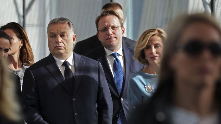 ЕНП замрази ФИДЕС, но Орбан остава в ЕНП