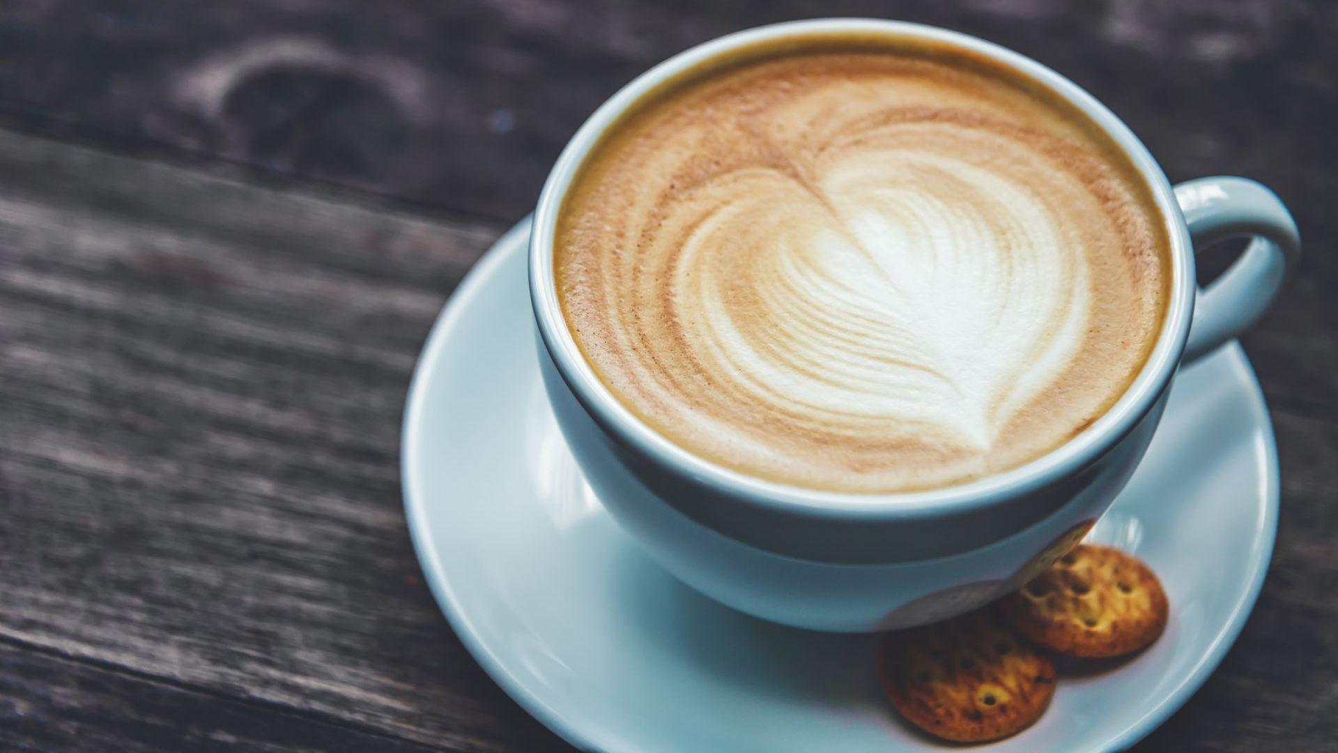 Защо консумацията на горещи напитки  носи сериозен риск за здравето