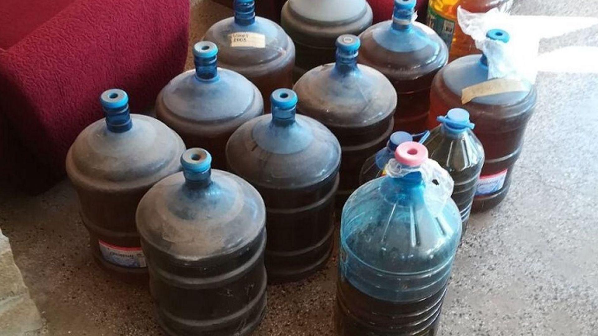 480 литра нелегален алкохол откриха митничари в туристическа база