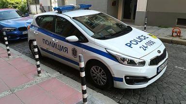Издирват нападател, ранил служителка при обир на газстанция в София
