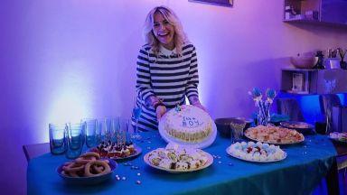 Поли Генова организира бебешко парти