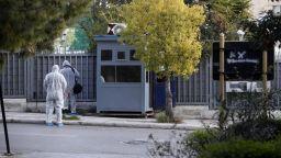 В Атина атакуваха с граната руското консулство