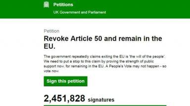 """Петицията """"Спрете Брекзит"""" събра 2.5 млн. подписа по пътя към парламента"""