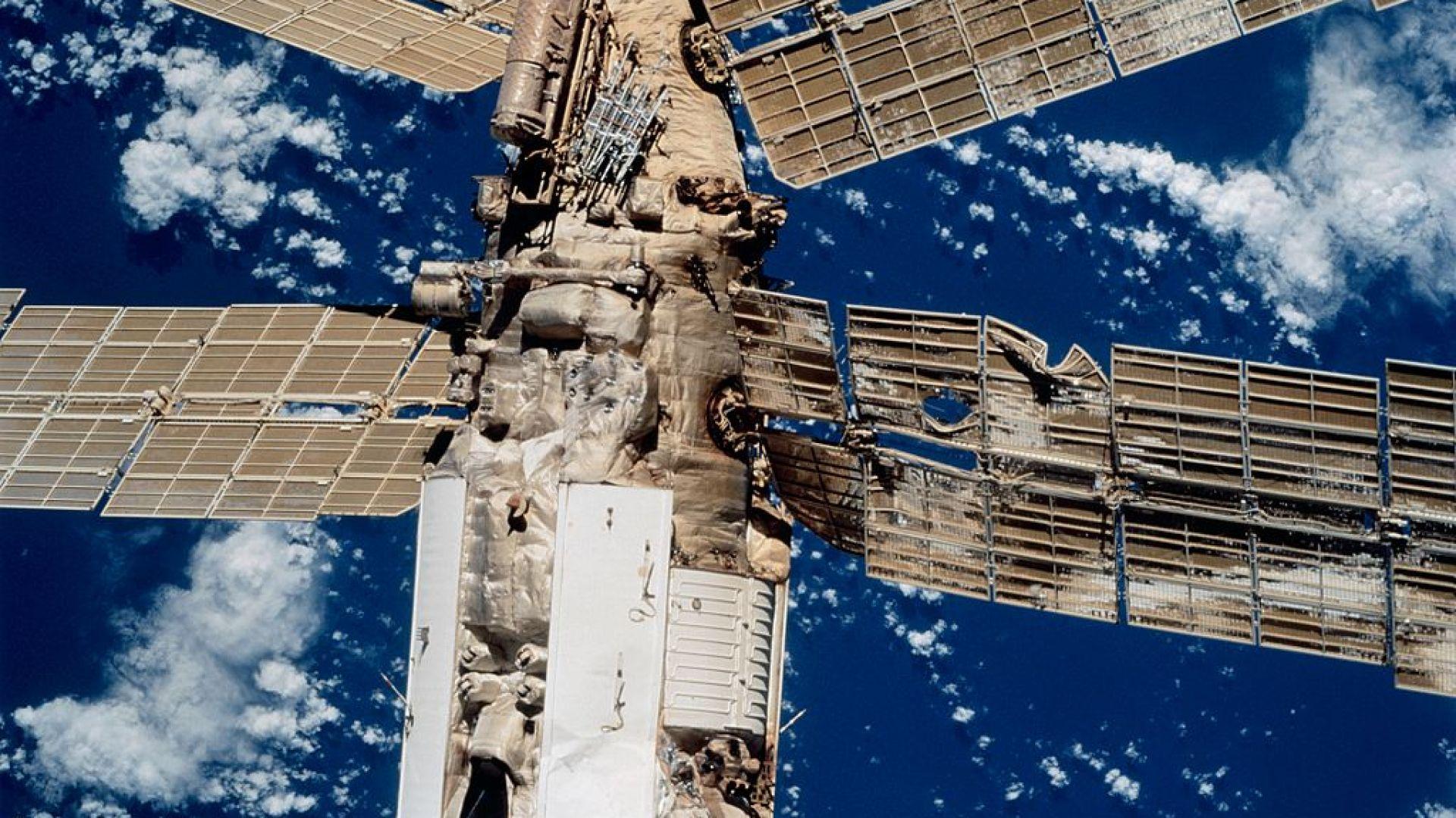 """Космическата станция """"Мир"""""""